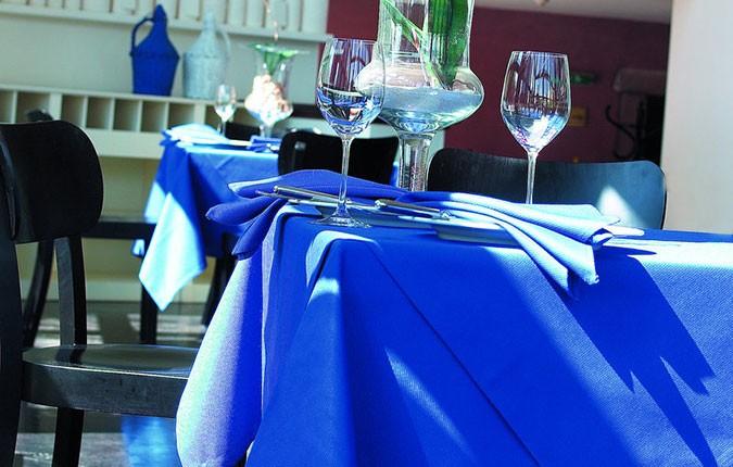 pflegeleichter Tischläufer Avant