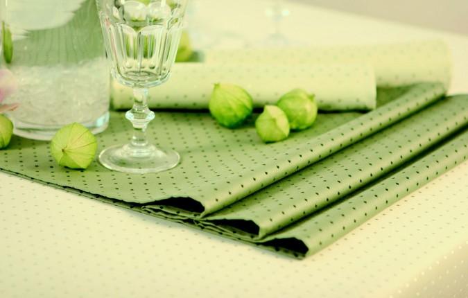 pflegeleichte Tischdecke Pünktchen