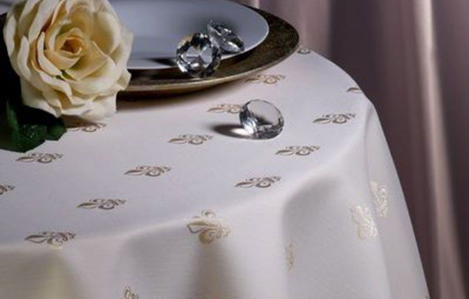 pflegeleichte Tischdecke Lilie